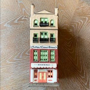 "DEPARTMENT 56 ""Bakery"" Christmas in the City Serie"